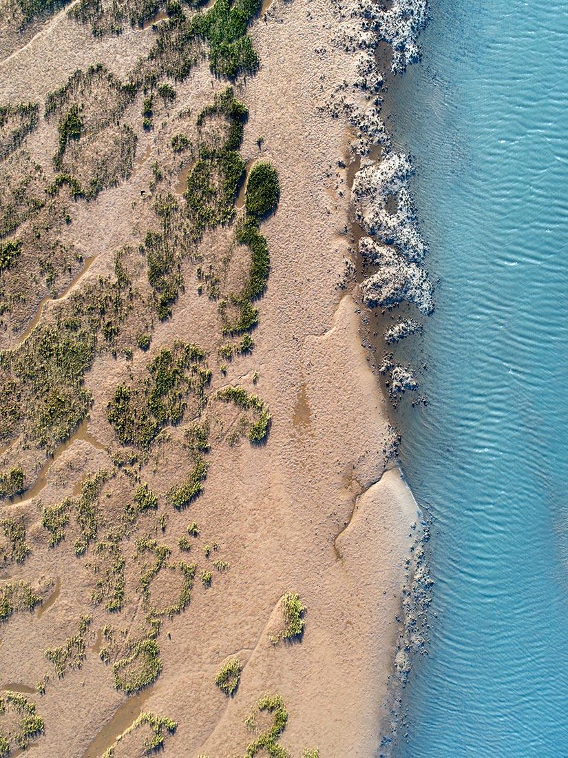 fotografia-aerea-con-dron-playa-salvaje